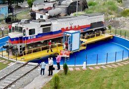 Lokomotive Drehscheibe in Bewegung